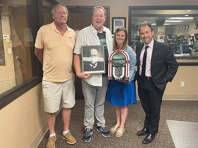Bob Harris' son accepts his father's postumous Pioneer Award